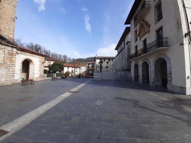 zaldibiako plaza.jpg